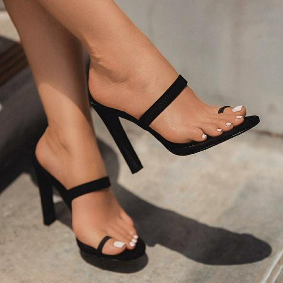 Brand Kim K Style Toe Ring Heel | Poshmark